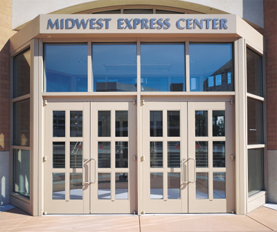 Midwest Express Center, WI, USA; E. Anderson Design Partnership, Inc., WI & TVS and Assoc., GA, USA
